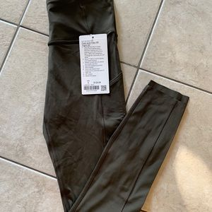 Brand new lululemon fast and free size6